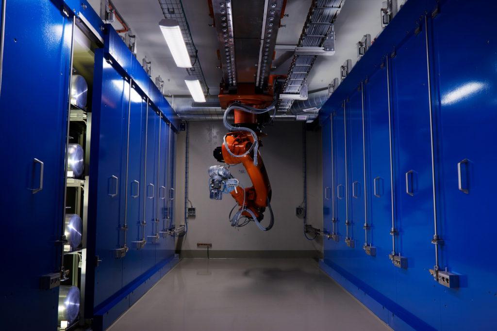 Robot för distanshantering av strålmål